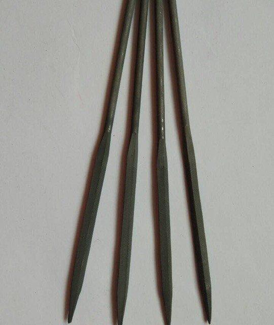 Надфиль трехгранный